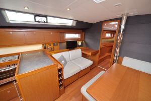 Beneteau Oceanis 45 Photo 19