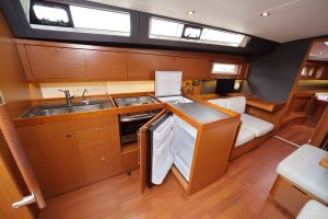 Beneteau Oceanis 45 Photo 35