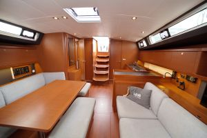 Beneteau Oceanis 45 Photo 5