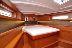 Beneteau Oceanis 45 Photo 25
