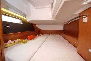 Beneteau Oceanis 45 Photo 31