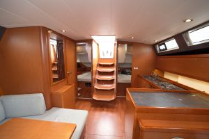 Beneteau Oceanis 45 Photo 7