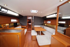 Beneteau Oceanis 45 Photo 3