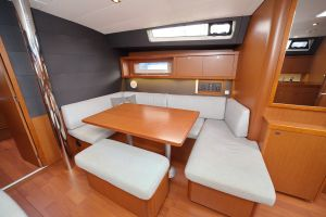 Beneteau Oceanis 45 Photo 11