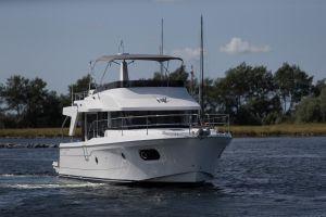 Beneteau Swift Trawler 47 Photo 14