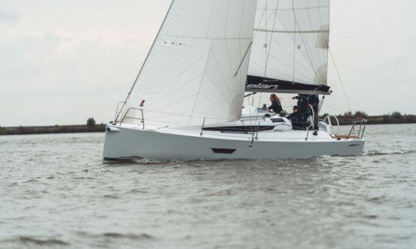 Elan E3, Zeiljacht  for sale by Bach Yachting