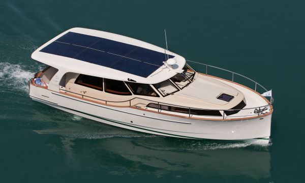 Greenline 33, Motor Yacht  for sale by Greenline