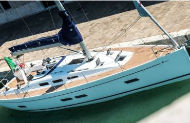 Italia 1398, Sailing Yacht Italia 1398 for sale by Bach Yachting