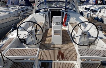 Beneteau Oceanis 38, Sailing Yacht Beneteau Oceanis 38 for sale by Bach Yachting