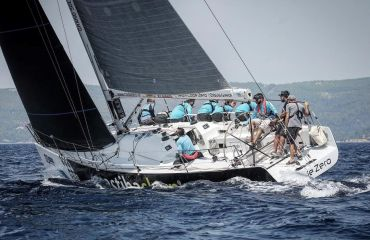 Grand Soleil 42 Race, Sailing Yacht Grand Soleil 42 Race for sale by Bach Yachting