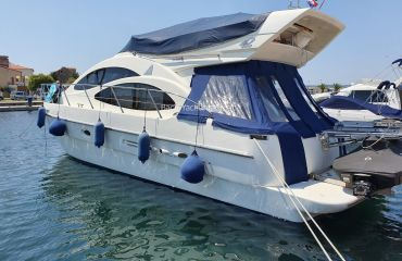 Azimut 42 Fly, Motor Yacht Azimut 42 Fly for sale by Bach Yachting