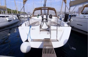 Dufour 325 Grand Large, Sailing Yacht Dufour 325 Grand Large for sale by Bach Yachting