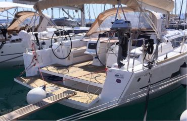 Dufour 410 Grand Large, Sailing Yacht Dufour 410 Grand Large for sale by Bach Yachting