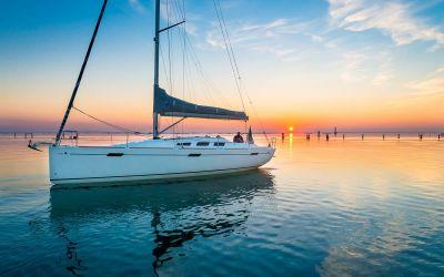 Italia Yachts 10.98, Zeiljacht  for sale by Raising Anchors