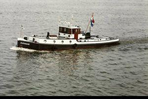 Sleepboot 16.80 - 1922 (8 Cylinder Kromhout 140 Pk), Ex-professionele motorboot  for sale by Scheepsmakelaardij Scheepszaken