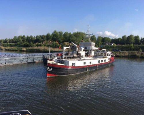 , Ex-professionele motorboot  for sale by Scheepsmakelaardij Scheepszaken