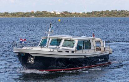 """Pikmeerkruiser 13.50 OK """"Exclusive"""", Motorjacht for sale by Jachtbemiddeling Terherne-Nautic"""
