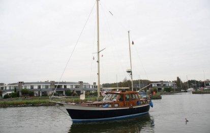 Nauticat 33, Motorzeiler for sale by Jachtbemiddeling Terherne-Nautic