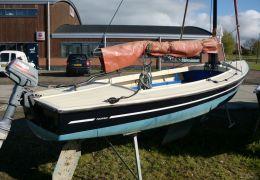Poly Valk Met Aluminium Mast, Giek, Gaffel, Open zeilboot Poly Valk Met Aluminium Mast, Giek, Gaffel for sale by MD Jachtbemiddeling