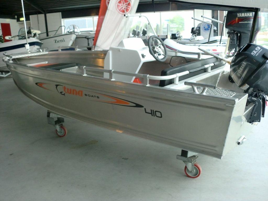 Tuna 410 OC Met Trailer & 8pk Tohatsu